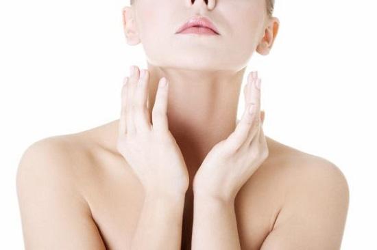 Đừng bỏ qua phần cổ khi chăm sóc da mỗi ngày